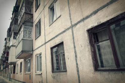 Тюмень, пятиэтажные дома, хрущевки, окна, фото крупным планом
