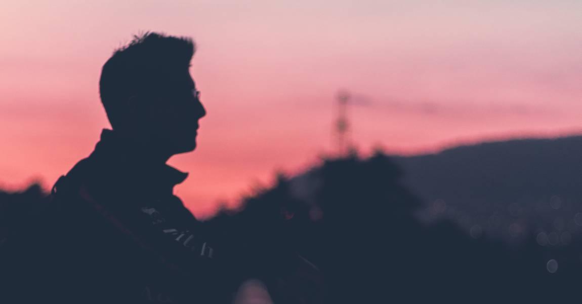 Рассвет, утро, туман, человек, прогулка, фото, иллюстрация