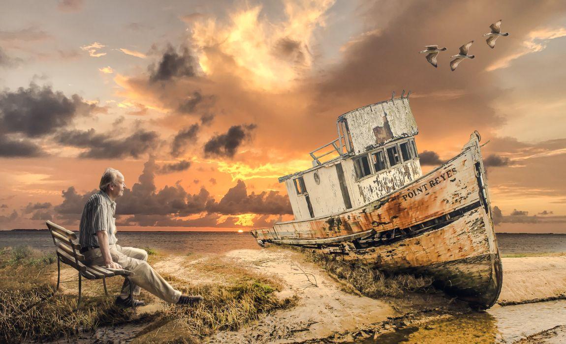 Старый человек, пенсионер, старый корабль, берег, небо, мечта, жизнь, жить долго, продлевать жизнь, пенсионная реформа в России