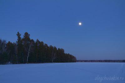 Лунная ночь, март, поле, снег