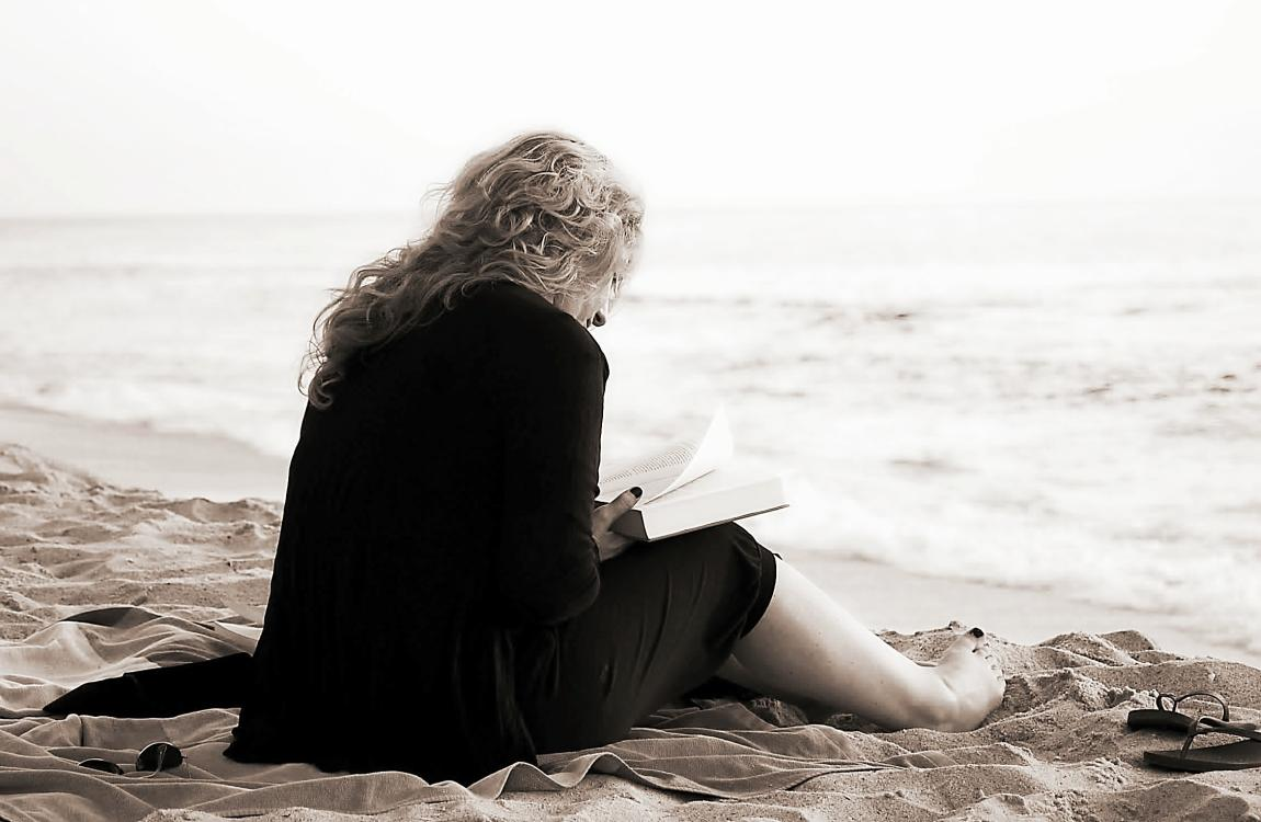 Женщина, книга, чтение, читает, пляж, море