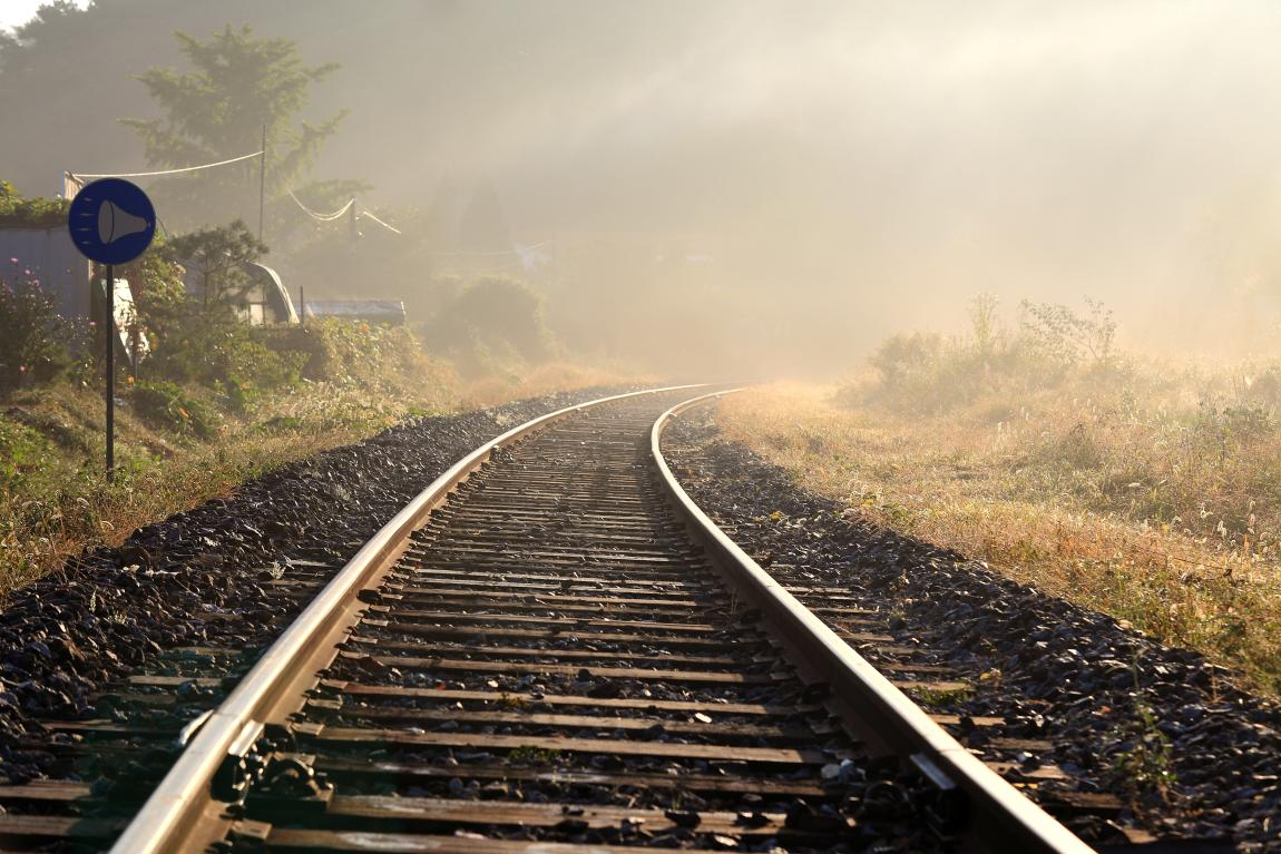 Железная дорога, пути, поезд, станция