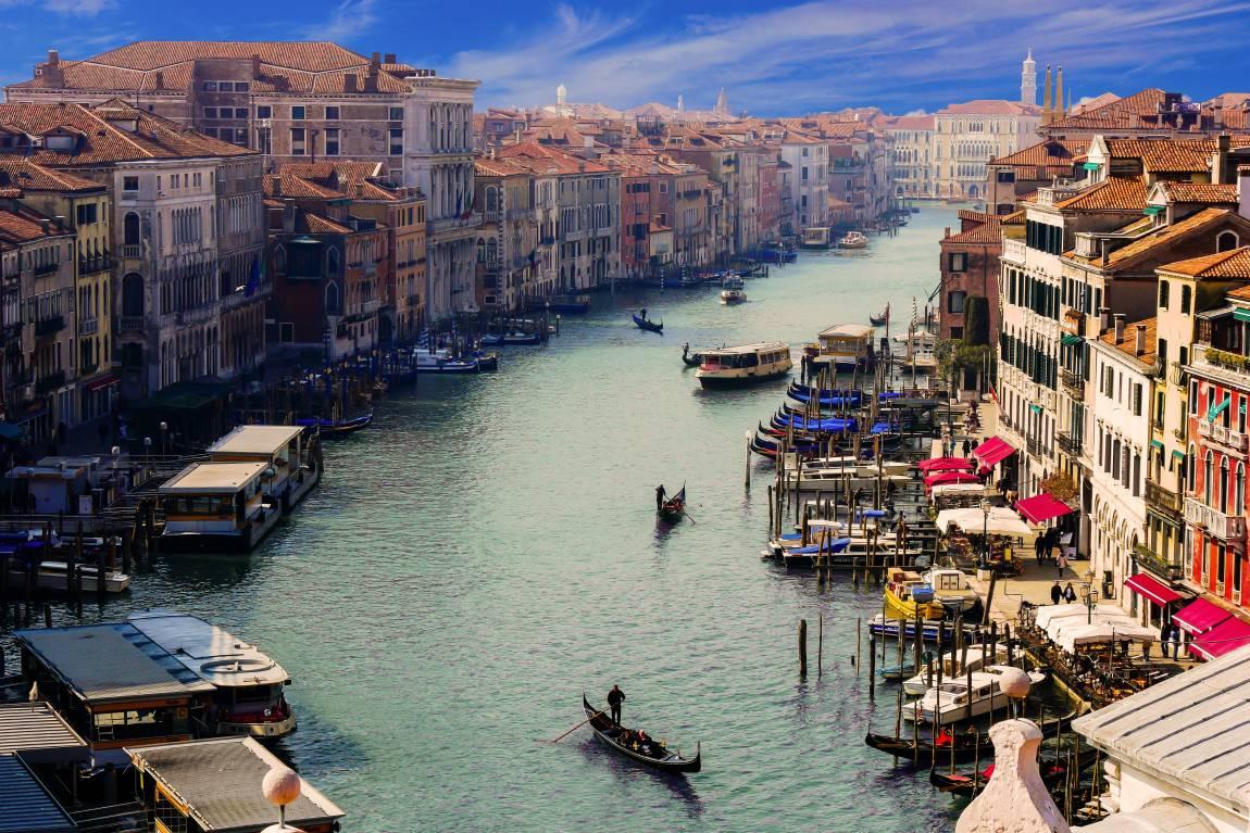 Венеция, гребные лоодки, гондолы