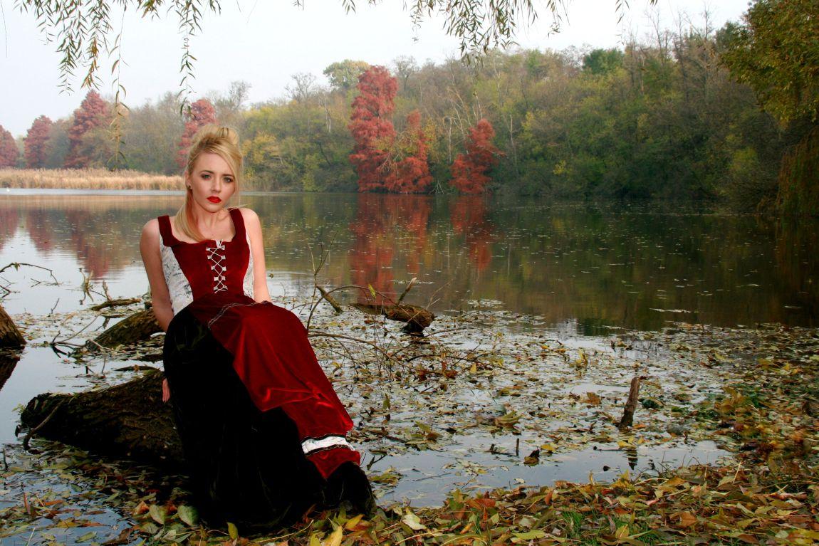 Девушка, строит, воздушные замки, осень