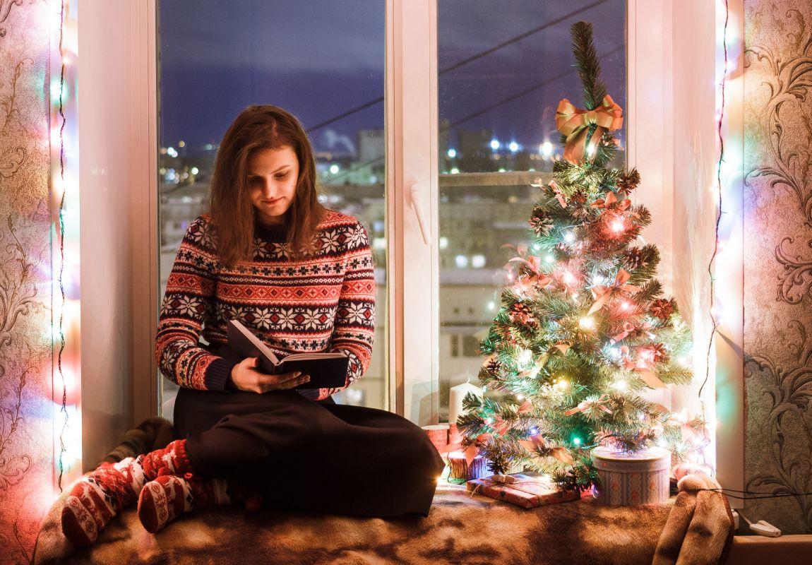 Девушка, книга, рассказ, буриме, Новый год, ёлка, окно, Дед Мороз, конкурс