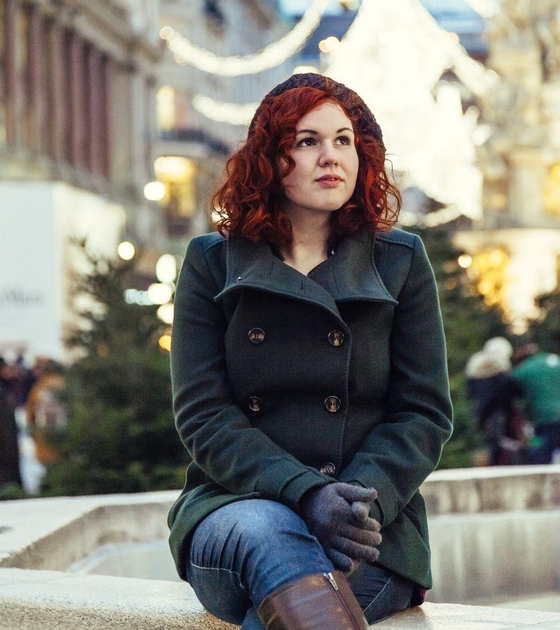 Девушка, у подъезда, Новый год, декабрь, ёлки, Оладушкина, Прося, Евпраксия